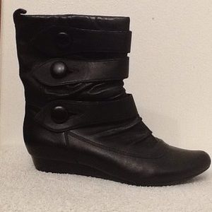 Indigo leather pull up boots